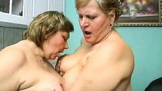 Old hoochie mamas get together to pleasure their massive bodies