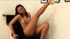 Hot Nuri Mitta enjoys dancing and showing off her stunning body