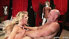 Watch how this blonde grinds on that dick while facing the camera