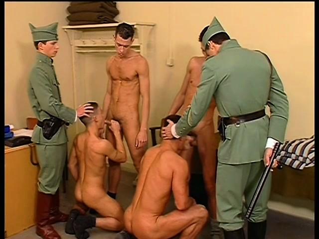 muzhskoy-seks-v-armii