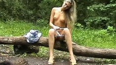 Teen Alison masturbate outdoor